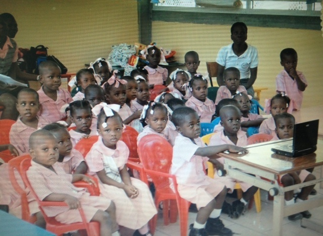 young_children_in_class